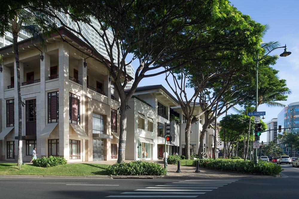 Luxury Row 2100 Kalākaua Avenue