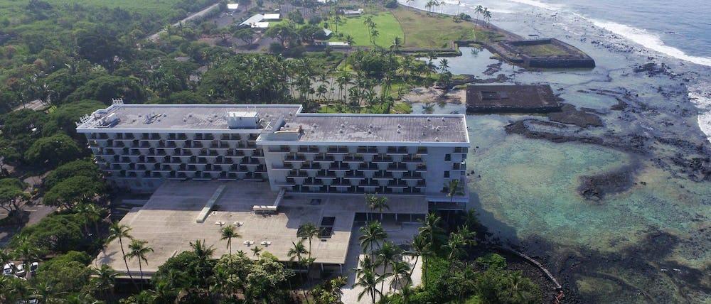 Aerial view of Keauhou Beach Hotel before being demolished.
