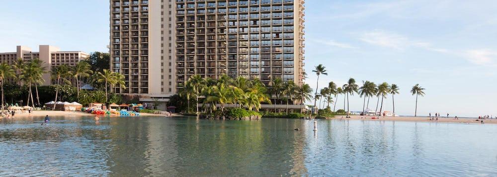 Hilton's Hawaiian Village's Duke Kahanamoku Lagoon
