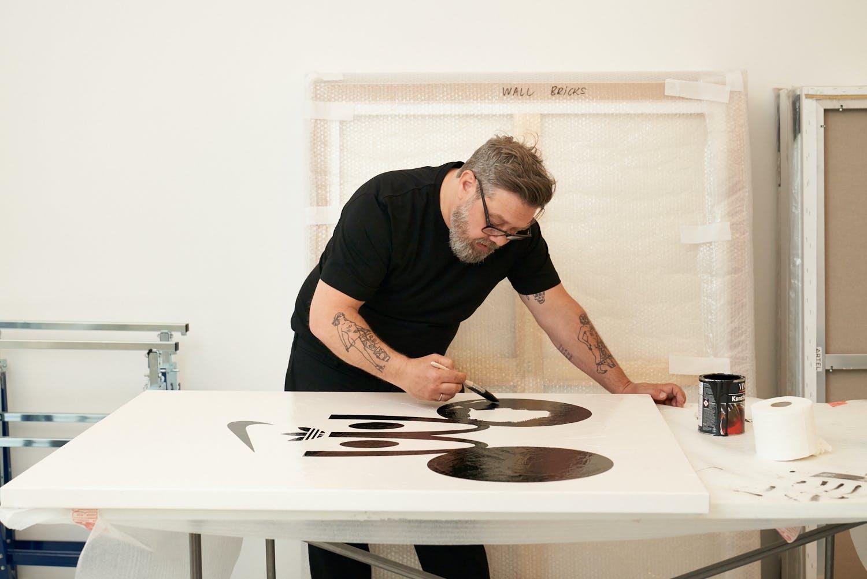 #BEIGEsprochen: Kunst oder Kommerz? Wir haben Eike König in seinem Atelier besucht