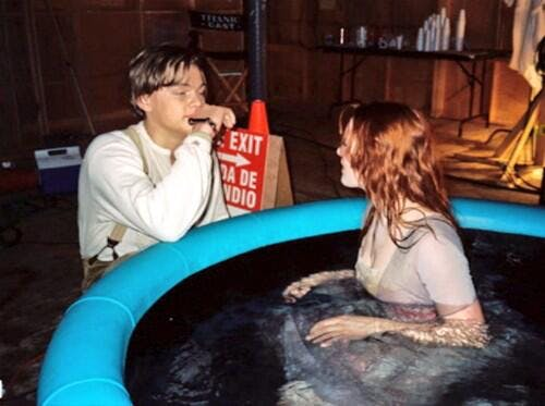Jack and Rose acting in a pool