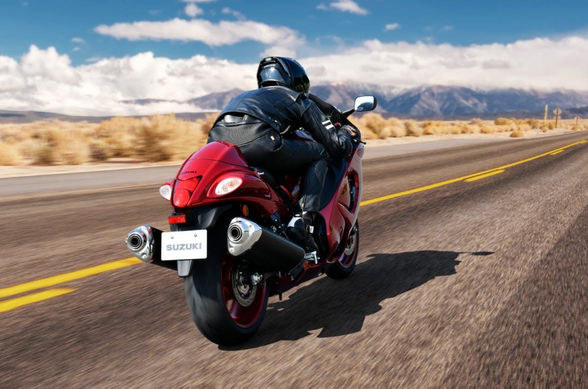 Suzuki Hayabusa in action on the road