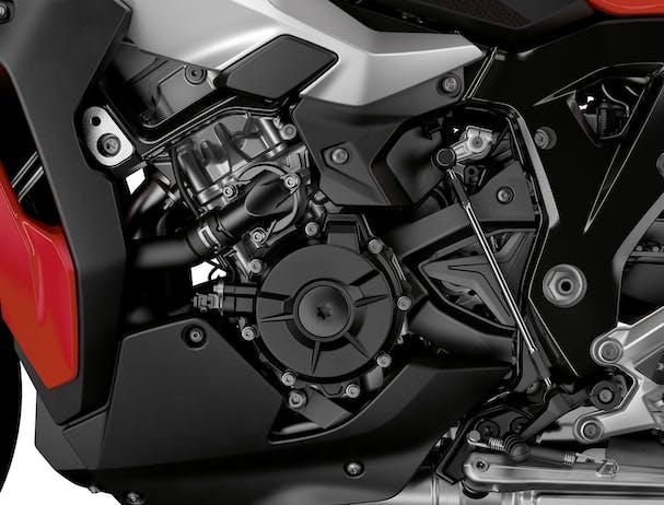 BMW S 1000 XR engine