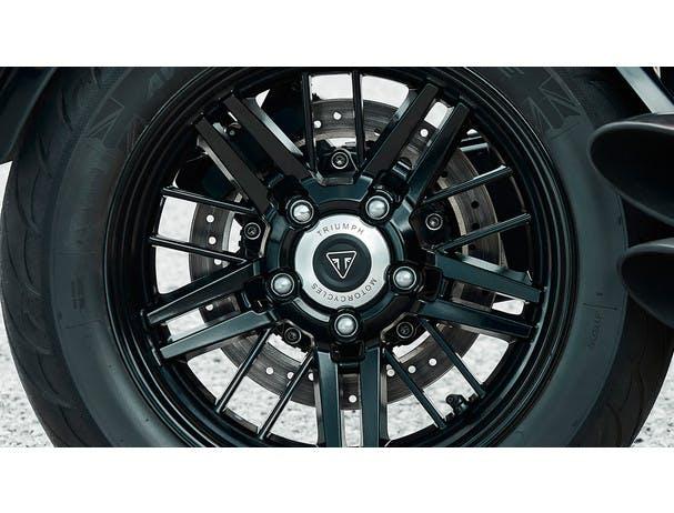 Triumph Rocket 3 R wheels