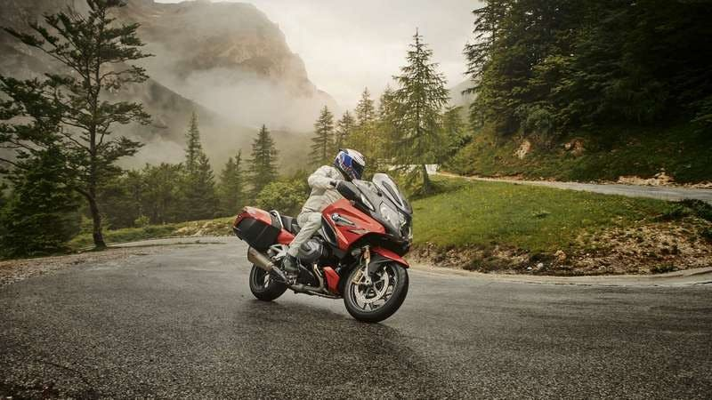 BMW R 1250 RT Option 719 on the road