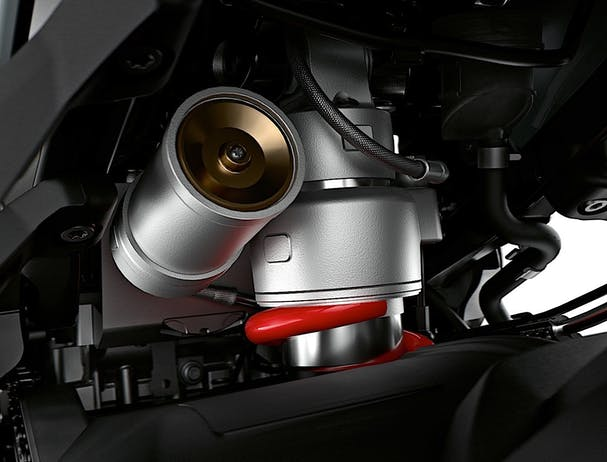 BMW S 1000 XR suspension