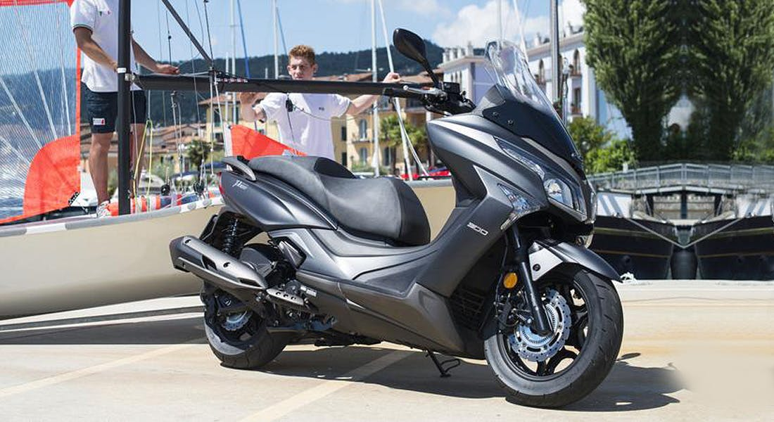 KYMCO X-Town 300i ABS in bright grey metallic colour