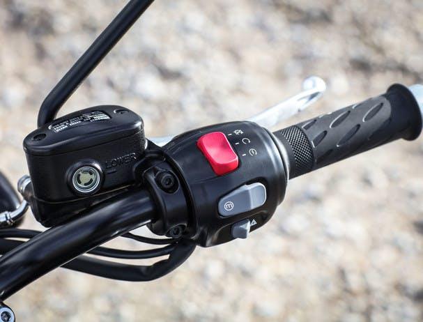 TRIUMPH Bonneville T120 Black fingertip control scroll button