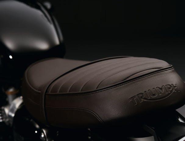 TRIUMPH Bonneville T120 Black seat
