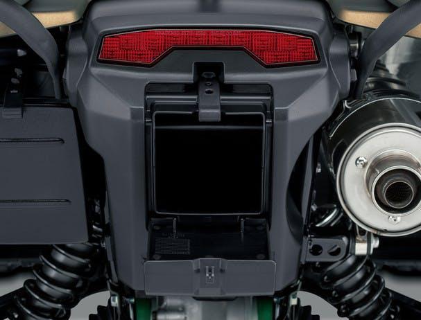SUZUKI KINGQUAD 500AXI 4x4 PS rear storage compartment