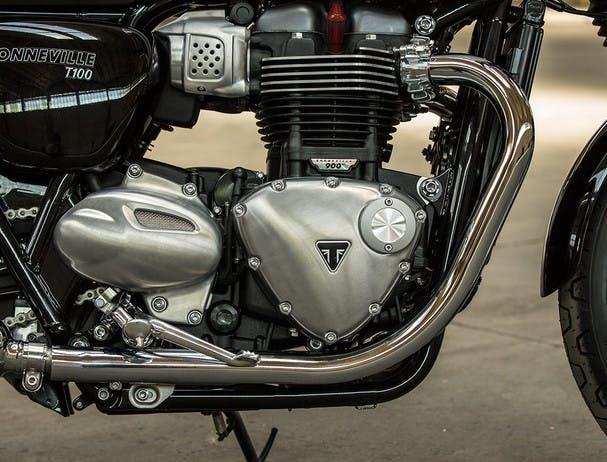 TRIUMPH THE BONNEVILLE T100 BLACK engine