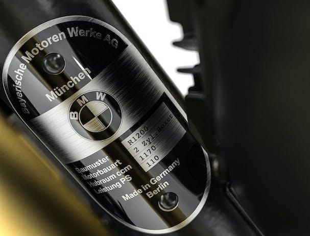 BMW R nineT type plate