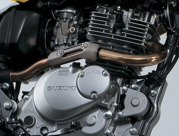 SUZUKI DR200S engine