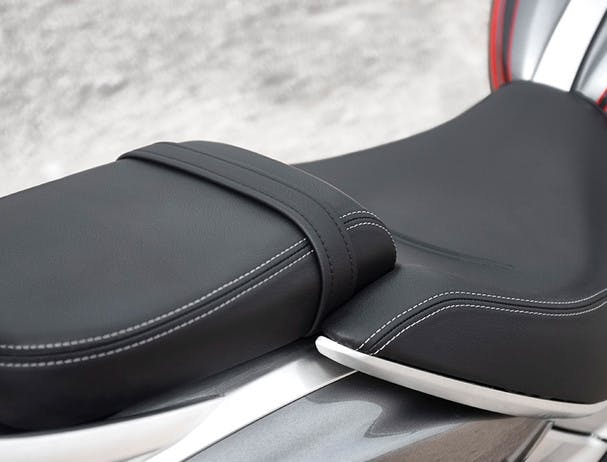 Triumph Rocket 3 GT rider seat