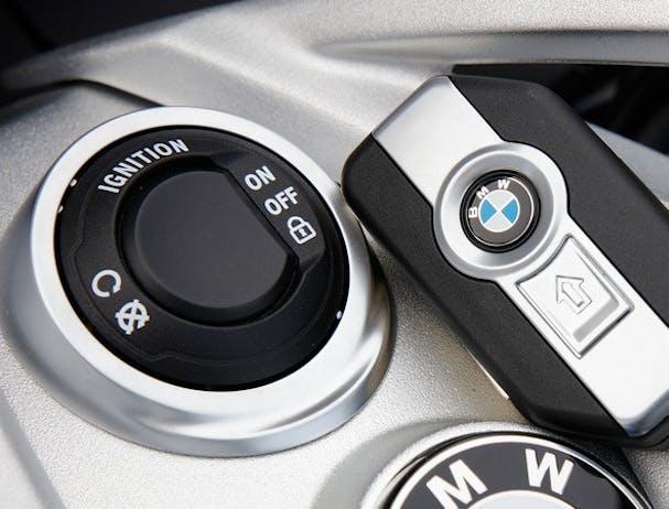 BMW K 1600 GT (Option 719) keyless start button