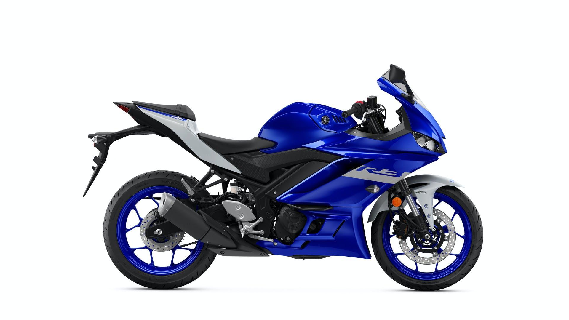 Yamaha YZF-R3 in team yamaha blue colour
