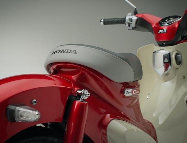 Honda C125 Super Cub seat