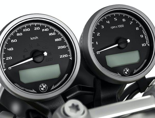 BMW R nineT speedometer