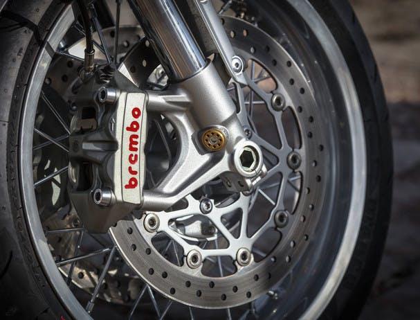 TRIUMPH THRUXTON 1200 R brembo front brakes