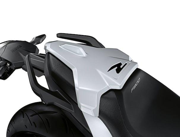 BMW F 900 R seat design