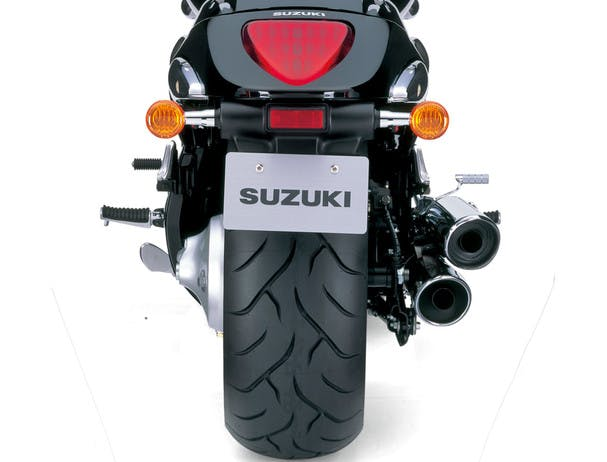 SUZUKI BOULEVARD M109R BLACK EDITION rear tyre