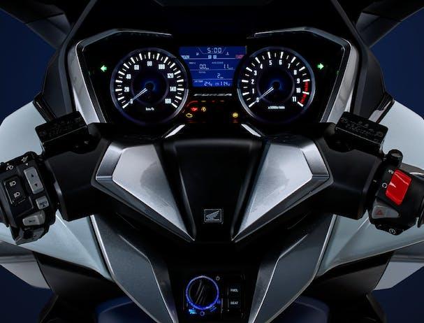 Honda Forza 300 dashboard