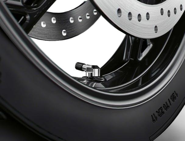 BMW S 1000 XR tyre