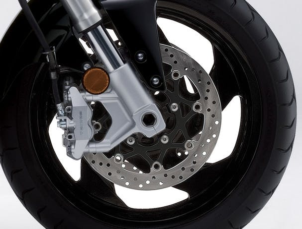 SUZUKI BOULEVARD M109R BLACK EDITION front brake