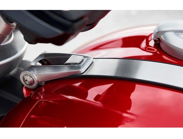 Triumph Rocket 3 R fuel tank details