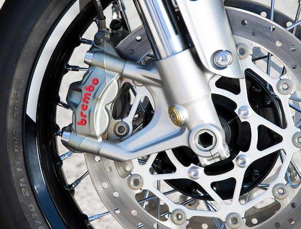 Triumph Thruxton RS Brembo brakes