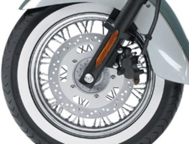 Kawasaki Vulcan 900 Classic's brake