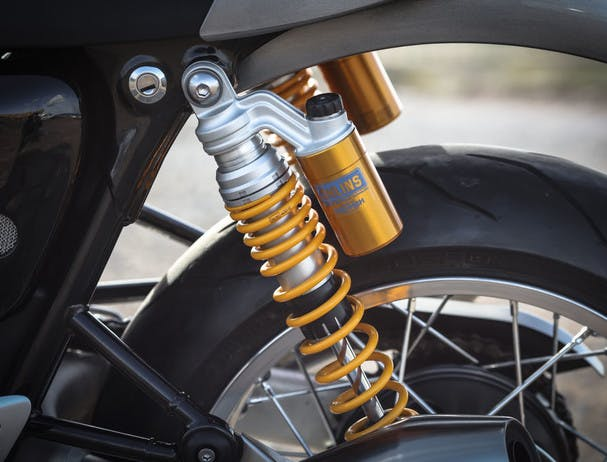 TRIUMPH THRUXTON 1200 R suspension