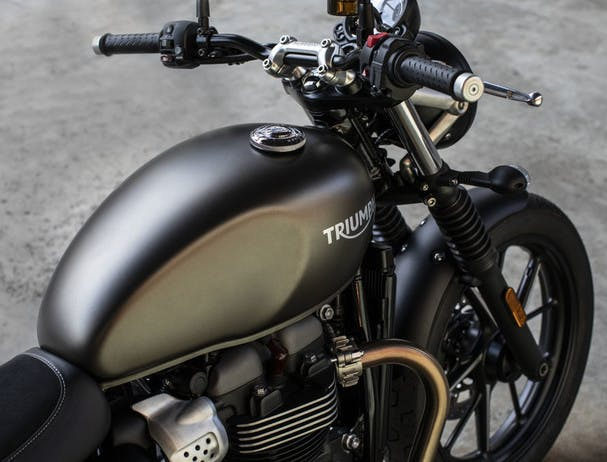 TRIUMPH STREET TWIN finishes and detailing