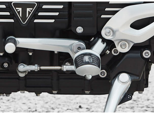 Triumph Rocket 3 R ergonomics