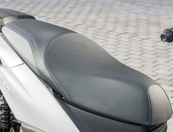 Tricity 155 Dual Seat