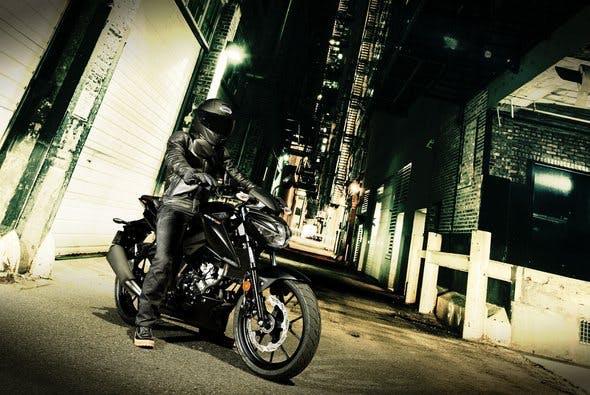 SUZUKI GSX-S125 with a rider