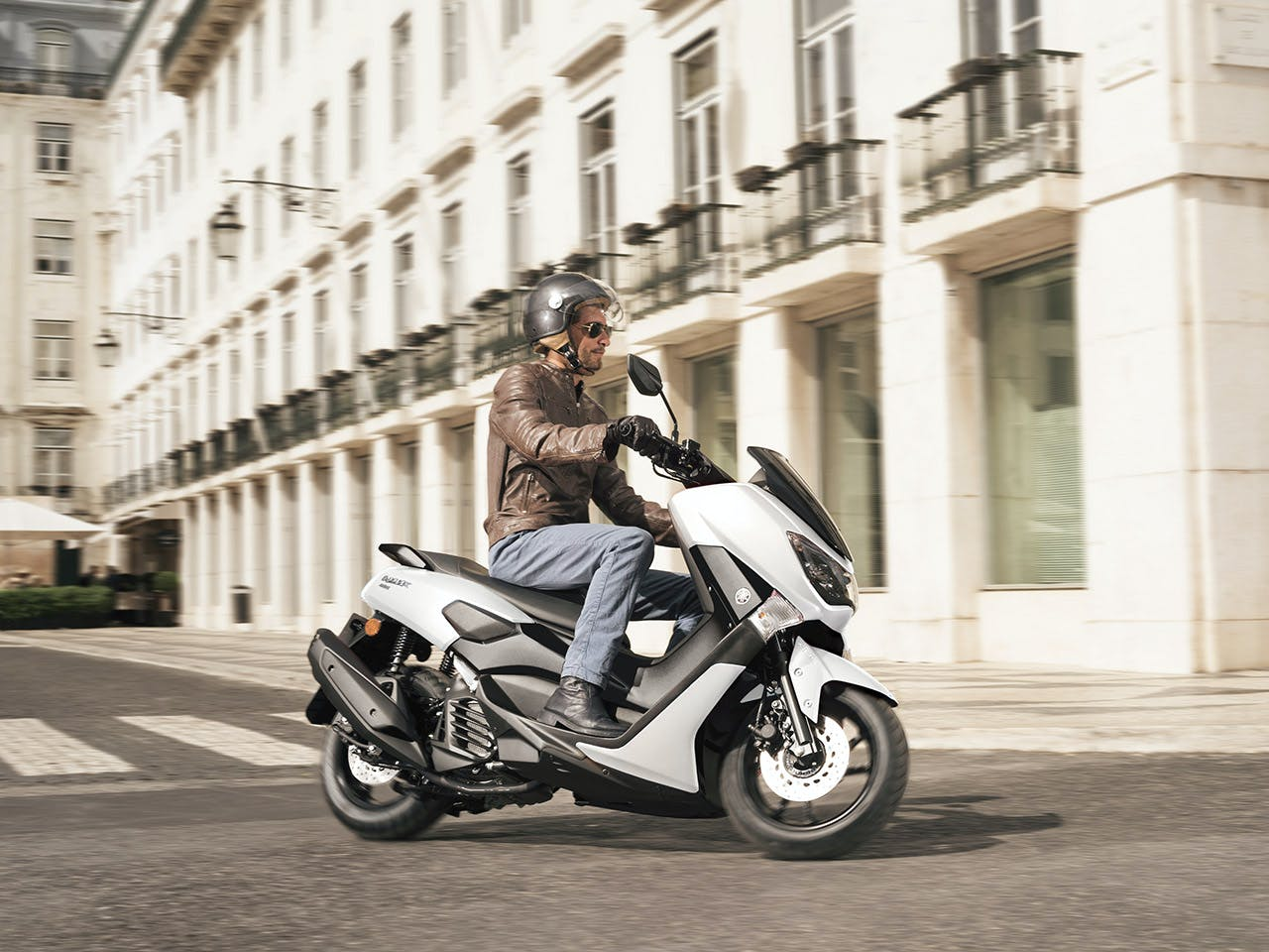 YAMAHA NMAX 155 in Milky White colour on the road