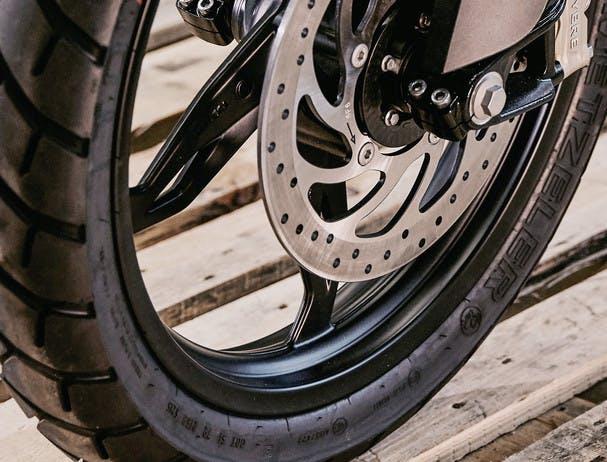 BMW G 310 GS tyre