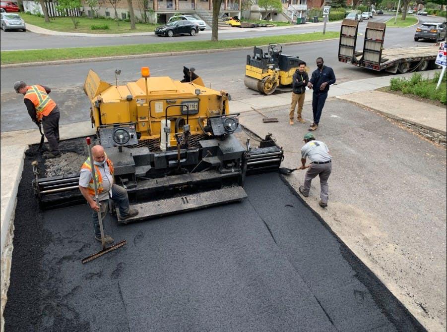 Pavage d'asphalte, en cours de rénovation