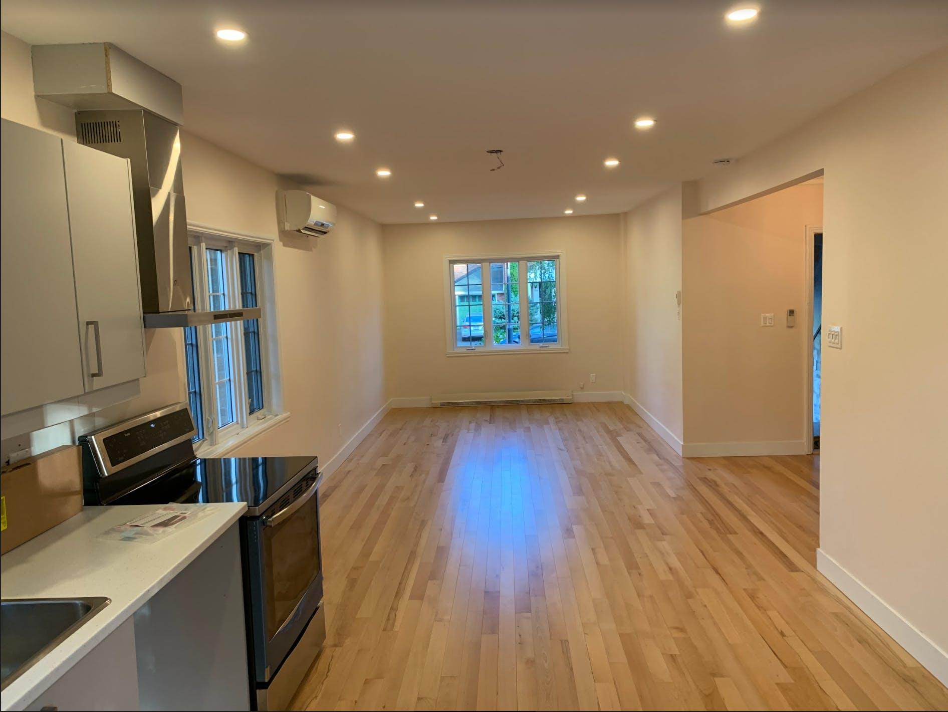 Appartement rénové à aire ouverte
