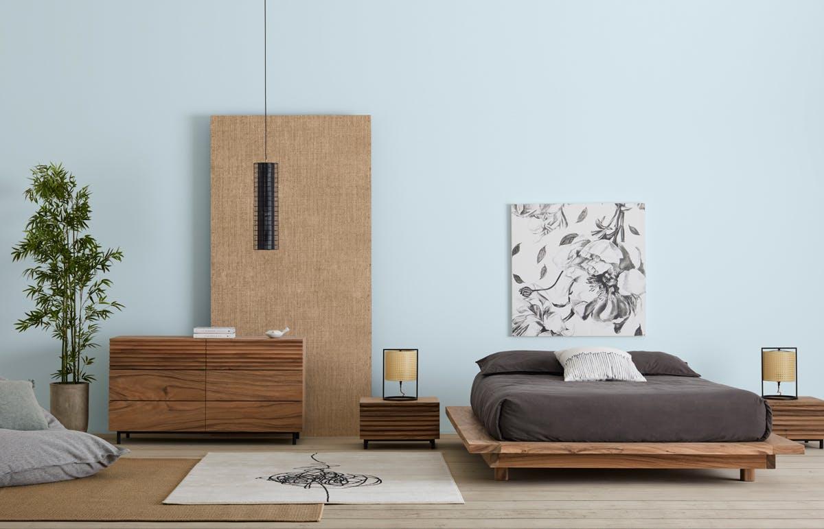 Chambre avec éclairage de style Japandi