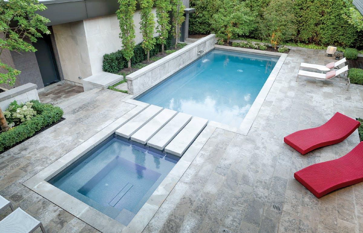 Des revêtements de piscine