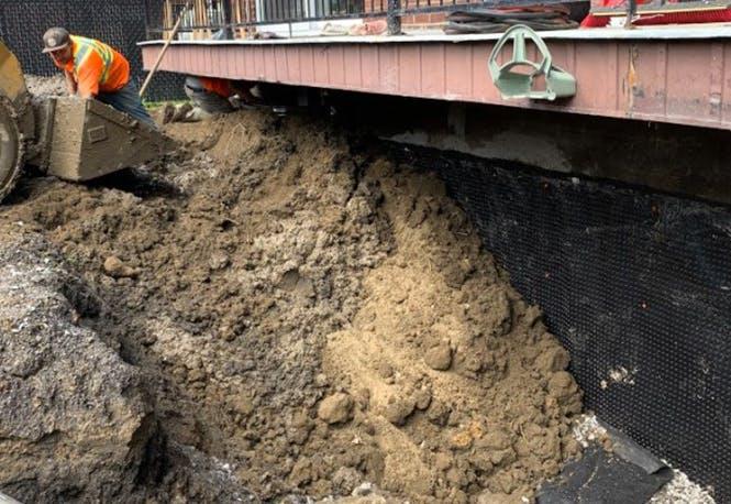 Excavation du drain français, en cours de rénovation