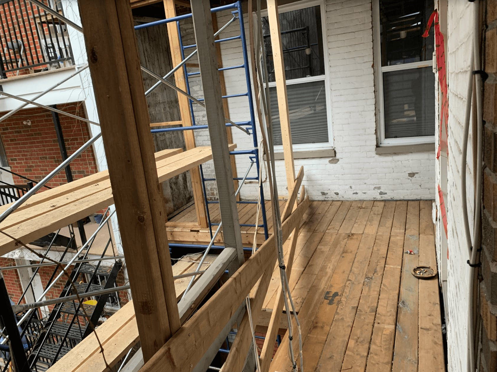 Balcon, en cours de rénovation