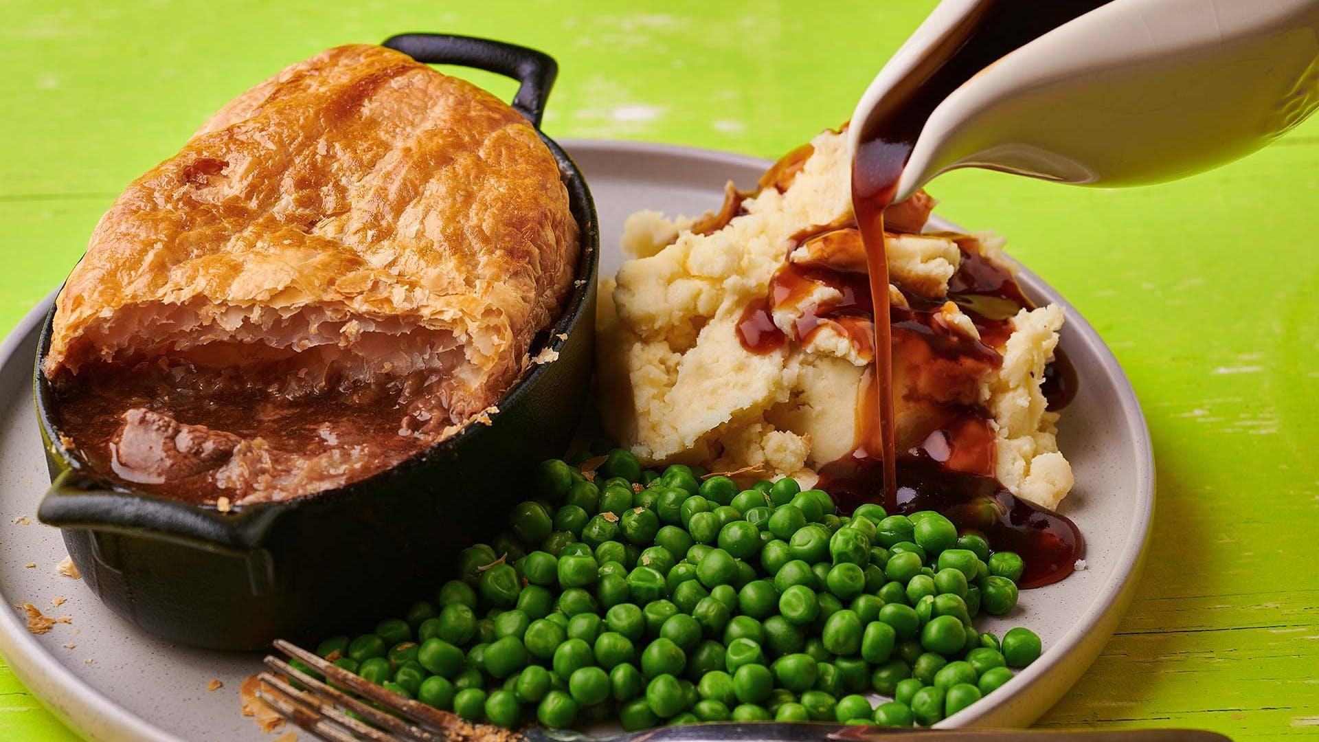 Bisto - Recipe: Gorgeous Steak and Guinness Pie