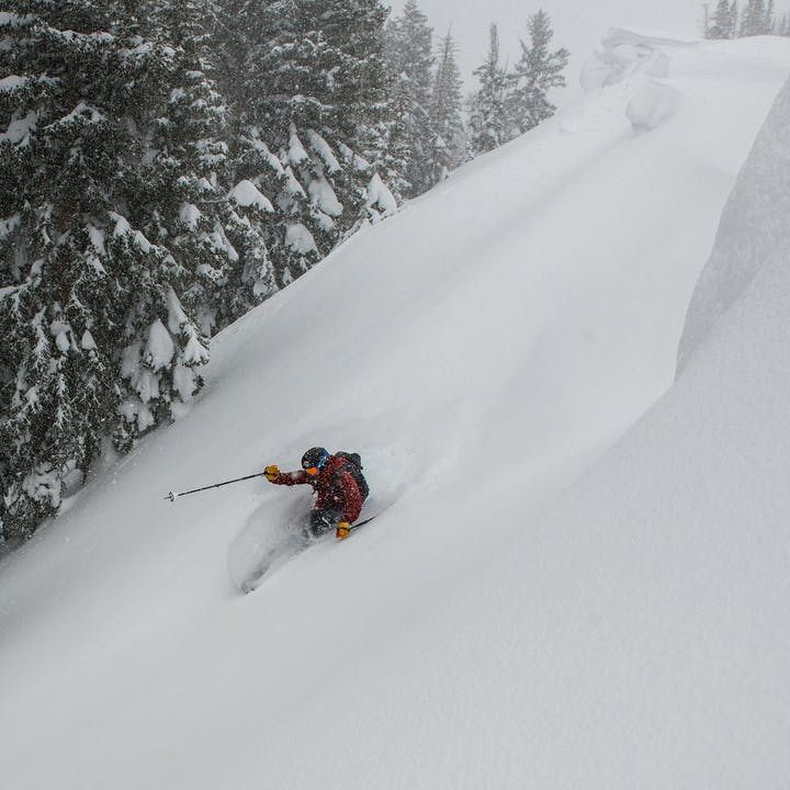 A photo by Andy Earl of a man skiing