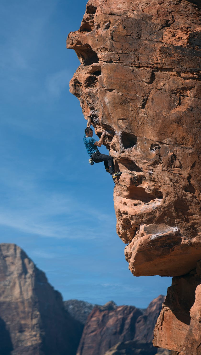 BD Athlete Alex Honnold free soloing a route in Las Vegas, Nevada