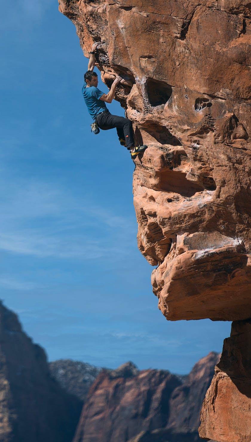 BD Athlete Alex Honnold bouldering in Nevada, USA