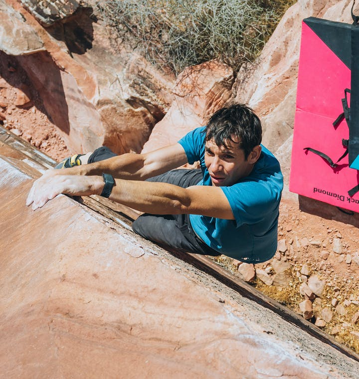 alex honnold bouldering