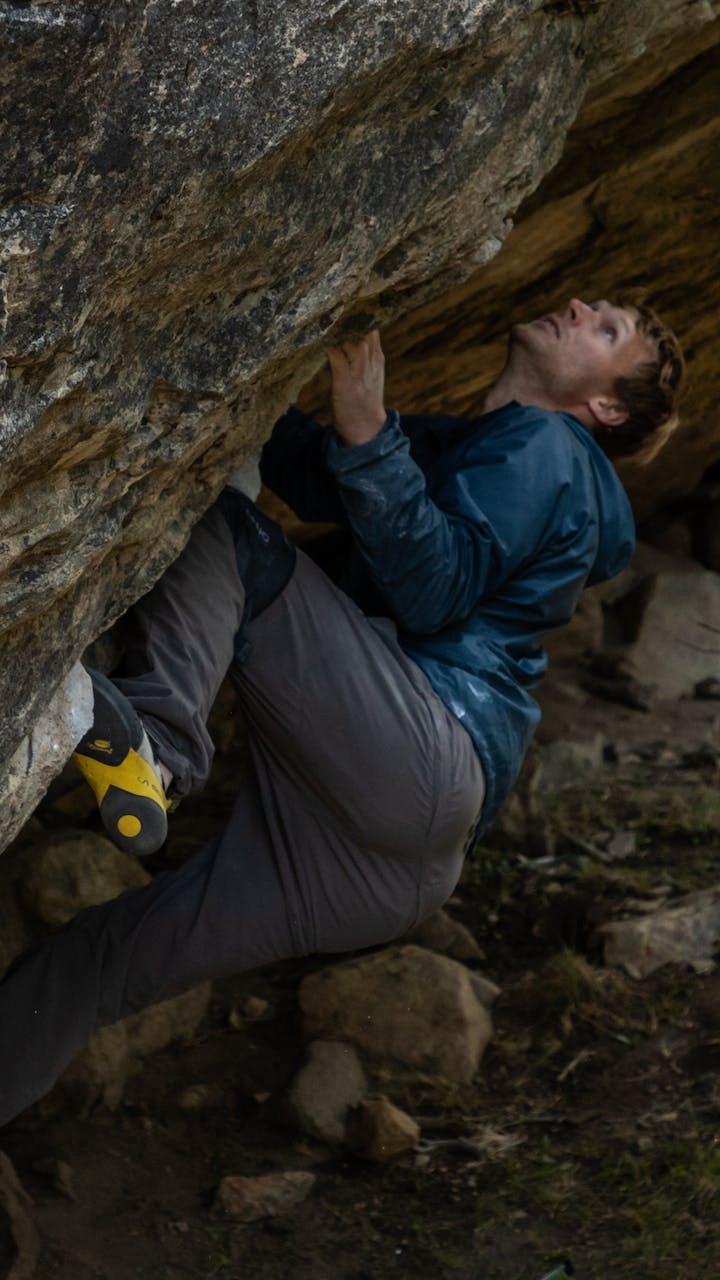 Nalle bouldering in Patagonia